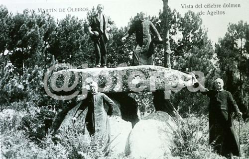 1925 Dolmen Axeitos wp