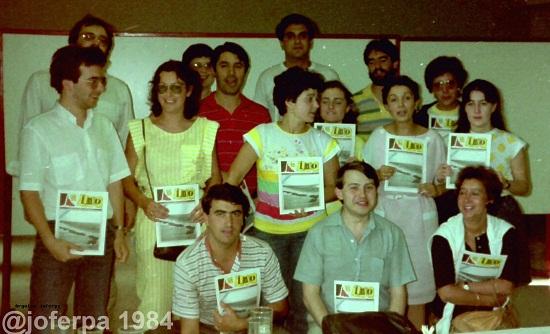 """Equipo da revista """"O Imo"""" o día de presentación da publicación no Mercantil de Riveira en 1984"""